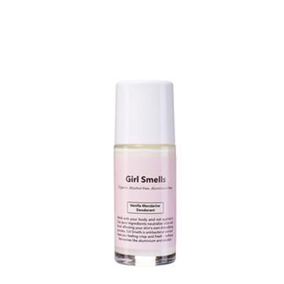 girl-smells-deodorant-vanilla-mandarine-deorante